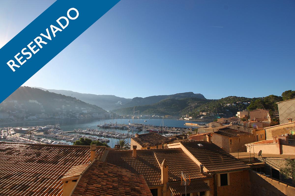 """"""" RESERVADO"""" Impresionante apartamento con gran terraza y vistas a la bahía del Puerto de Soller"""