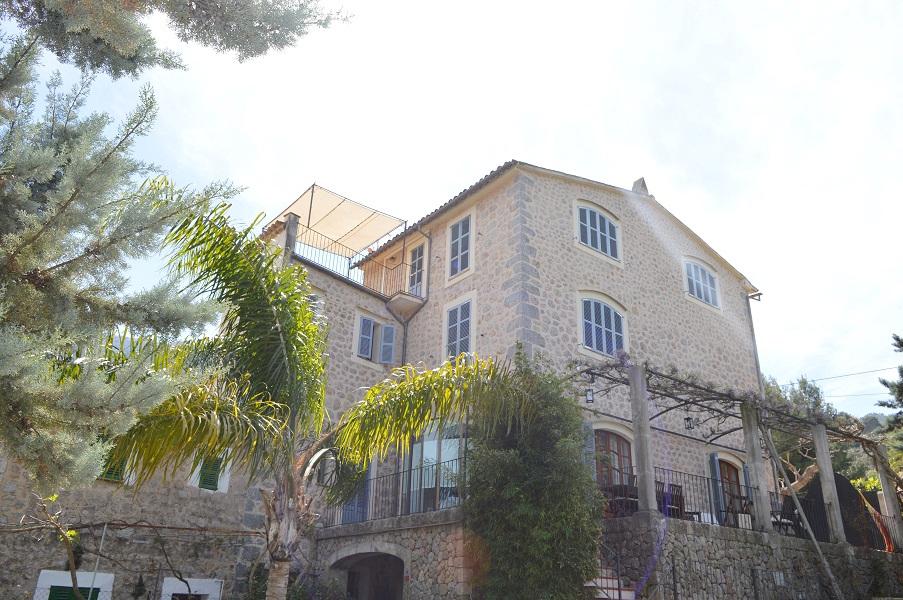 Espectacular casa señorial con terraza jardin y piscina en Soller