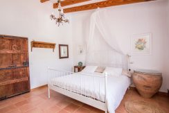 o-charming-mallorquin-style-house-with-swimming-pool-views-in--soller-p01997-17