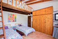 o-charming-mallorquin-style-house-with-swimming-pool-views-in--soller-p01997-21