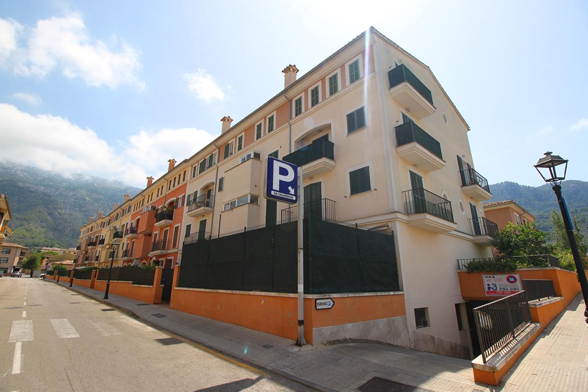 Cuatro Plazas de Parking en pleno centro de Soller