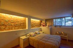 9Main bedroom1