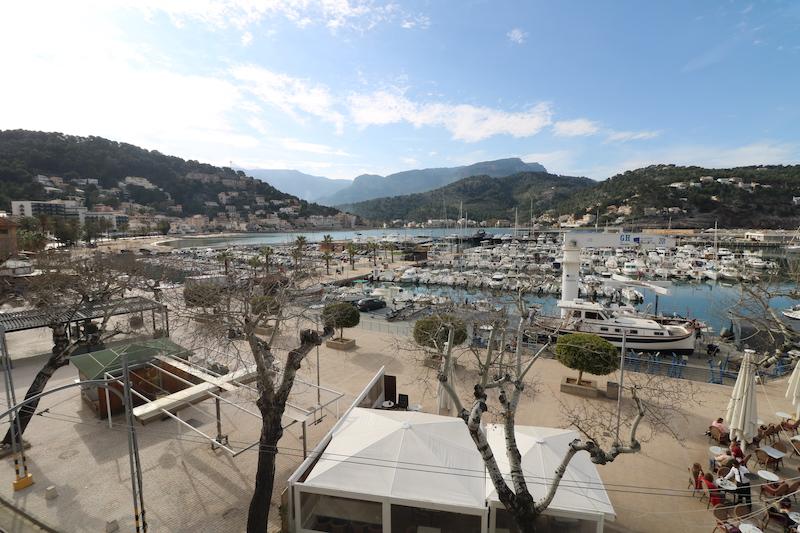 Atico amueblado y equipado con vistas al puerto