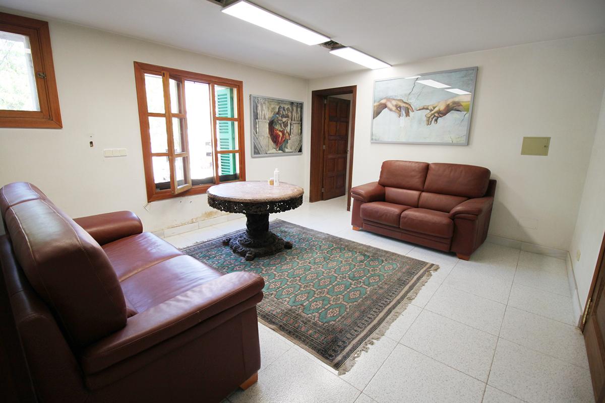 Gran piso convertido en oficinas en pleno centro de Soller
