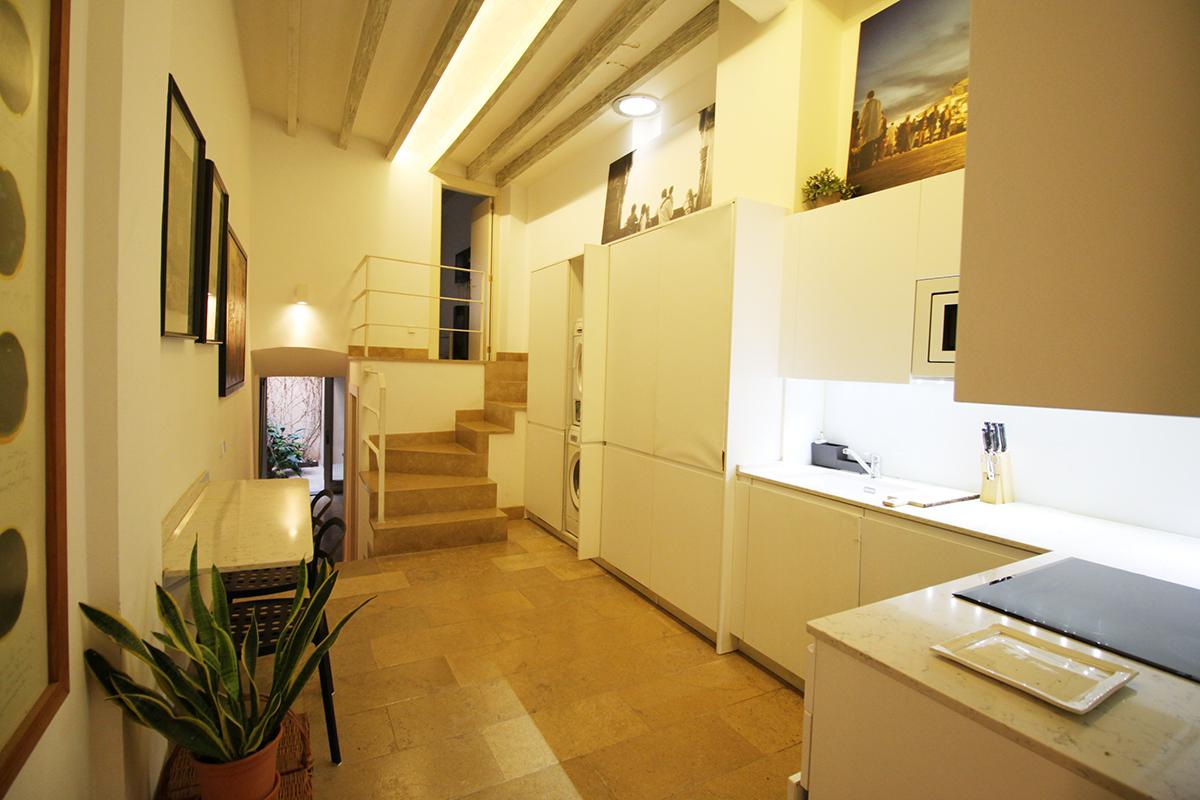 Casa con terraza y patio a pocos metros de la plaza de Soller