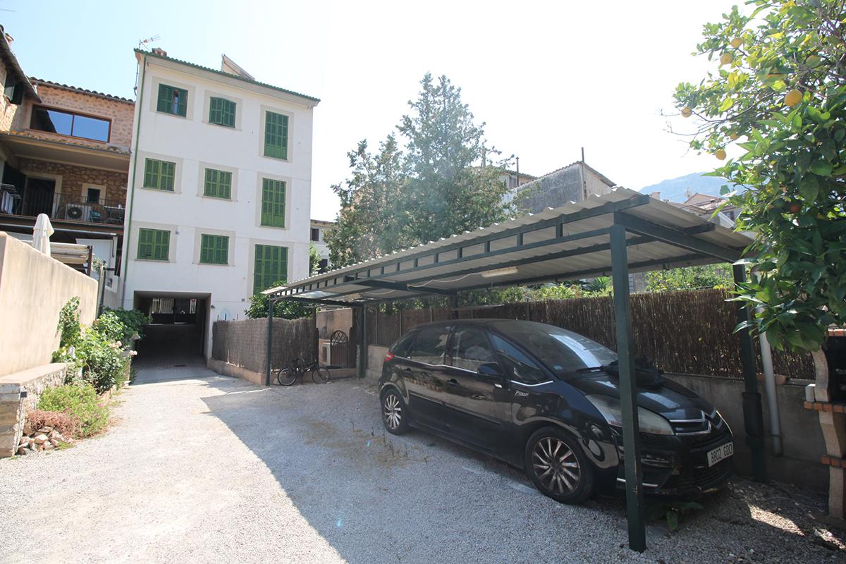 Planta de baja con terraza y 2 plazas de parking